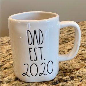 Rae Dunn est 2020 Mug
